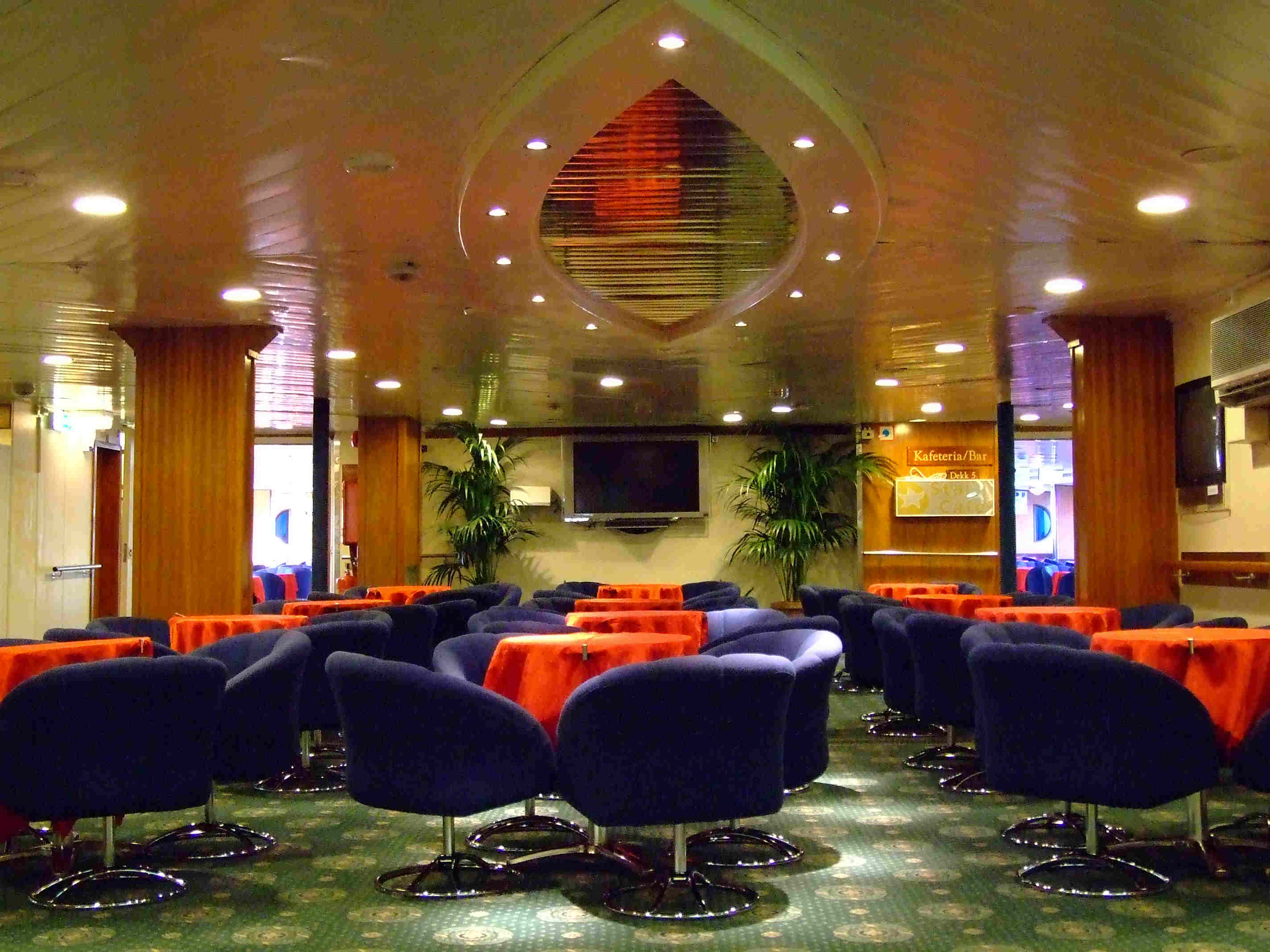 Traghetto RED STAR I - sala tv